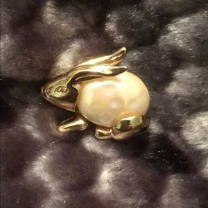 Vintage Carolee pearl rabbit brooch